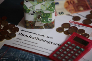 Dekobild: BFG mit Spardose Euros_Vera Jauk